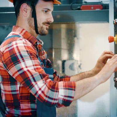 Operator maszyn CNC praca zagranicą